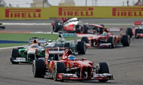 Il DRS della Ferrari di Fernando Alonso aperto, nei primi giri della gara (Foto - FIA / Federation Internationale de l'Automobile)