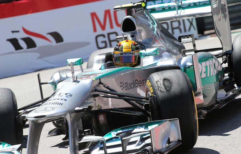 F1 2013 - LEWIS HAMILTON - MERCEDES GP MGP W04 -  PHOTO  ALEXANDRE GUILLAUMOT / DPPI