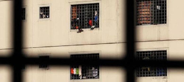 20130528-sovraffollamento-carcerario_780x350