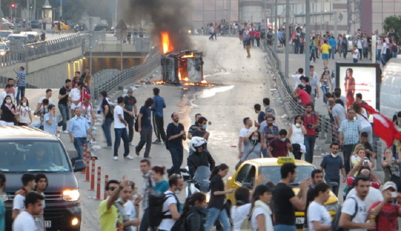 20130602-istanbul-manifestazioni_2780x450