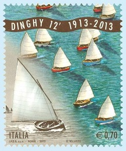 FILATELIA: Francobollo italiano centenario barca a vela Dinghy 12'