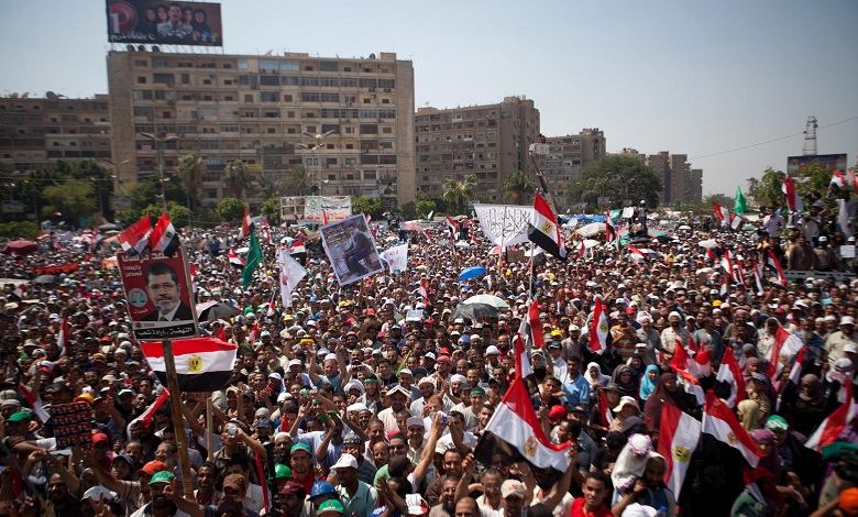 Egitto: migliaia al Cairo pro e contro Morsi