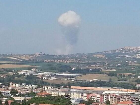 20130725-foto-twitter-pescara_2nda-esplosione