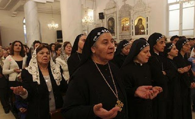 20130902-syrian-christians-praying-for-peace-780x477