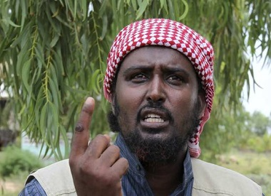 Al Shabaab spokesman Sheikh Ali Mohamud Rage addresses a news conference outside Somalia's capital Mogadishu