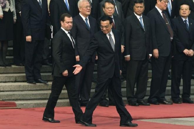 20131024-Dmitri-Medvedev-PM-Li-Kequang-660x440
