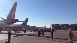 20131101-lax-shooting-airplane-ev-660x371