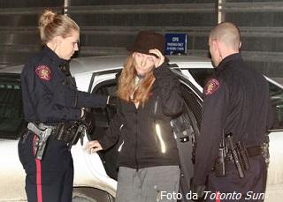 Tamara Lovett al momento dell'arresto (Foto del Toronto Sun)