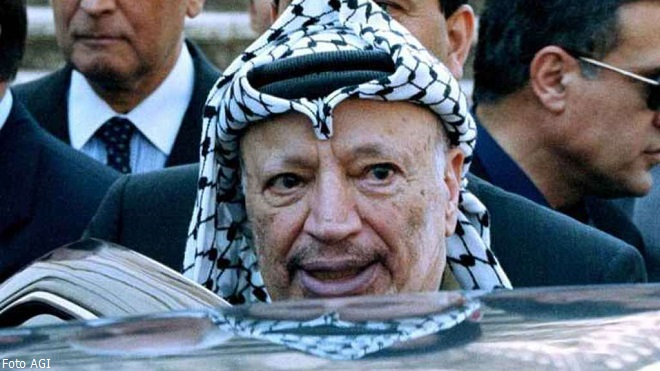 Yasser Arafat, morto a Percy, Parigi, l'11 novembre 2004