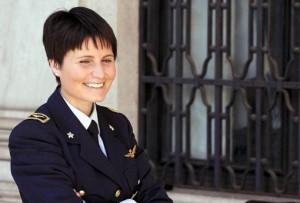 Samantha Cristoforetti è capitano dell'AMI, abilitata al combattimento aereo, e astronauta dell'ASI/ESA