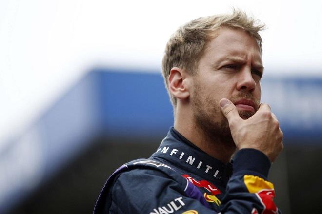 Sebastian Vettel sembra riflettere: scelgo il 27 di Gilles o lo lascio alla Storia della F1?