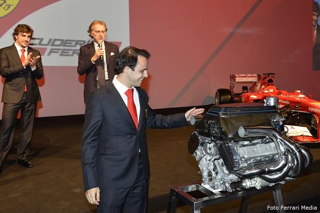 """Il regalo che Felipe Massa ha trovato sotto l'albero di Natale: il motore della """"sua"""" F2008"""