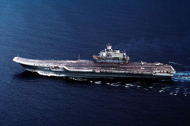 "La portaerei russa ""Admiral Kuznecov"""