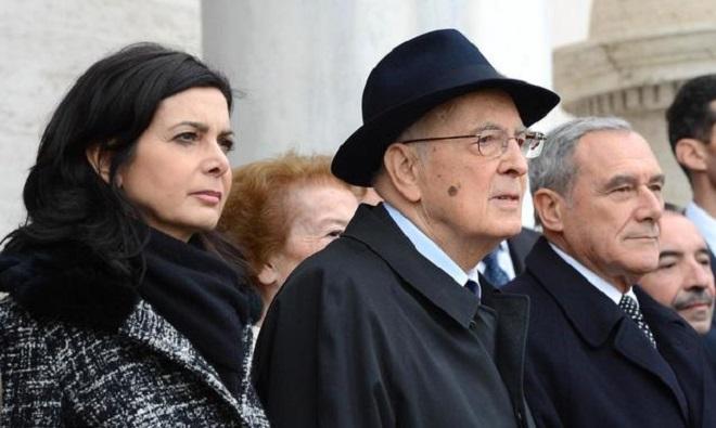 Laura Boldrini, Giorgio Napolitano e Pietro Grasso, le tre più alte cariche dello Stato, in una foto che raffigura il Paese