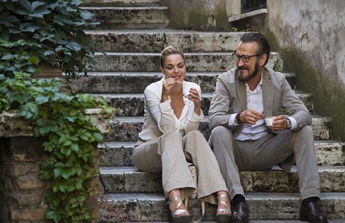 Claudia Gerini e Marco Giallini in Tutta colpa di Freud, di Paolo Genovese. Dal 23 gennaio nelle sale