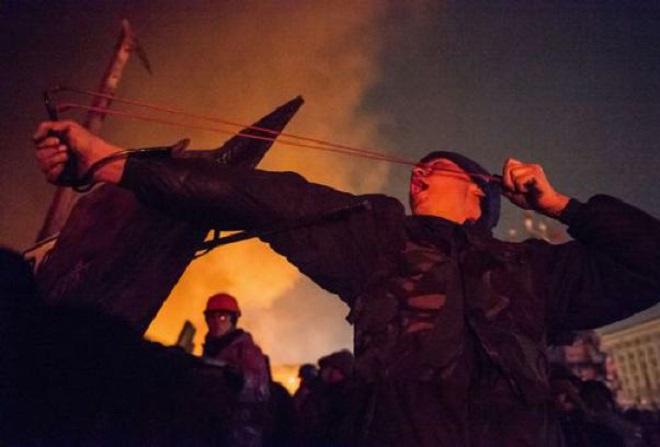 20140220-kiev-riots-100de-660x447