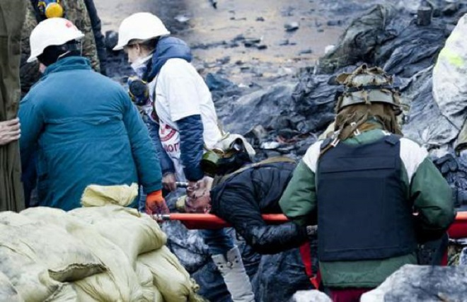Immagini dagli scontri in corso a Kiev (Foto TMNews)