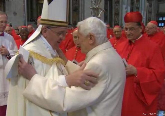 20140222-abbraccio-papa-francesco-papa-benedetto-660x467