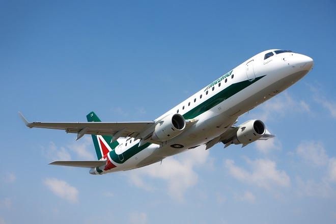 20140328-Alitalia-Embraer-E175-660x440