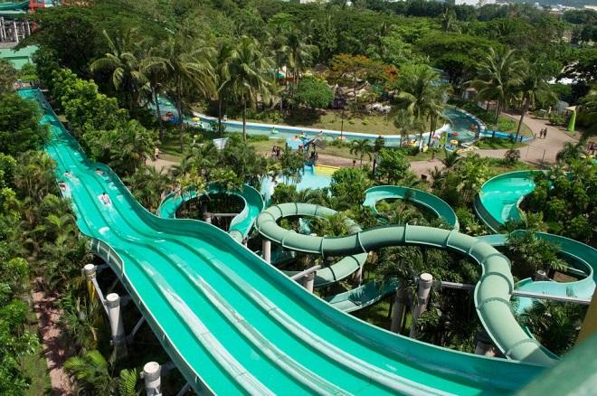 """Il parco acquatico """"Splash Island"""" di Binan dove Daniele Bosio è stato fermato con tre bambini"""
