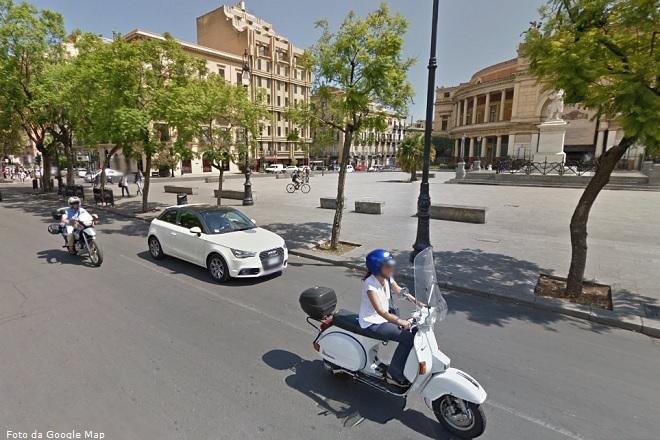 Palermo, Piazza Politeama, il panorama di eccezionale bellezza di cui possono godere gli ospiti di una nota struttura alberghiera del capoluogo siciliano (Foto da Google Map)