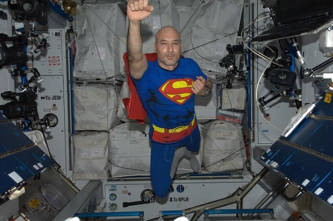 20140412-astroluca-superman-660x438-did