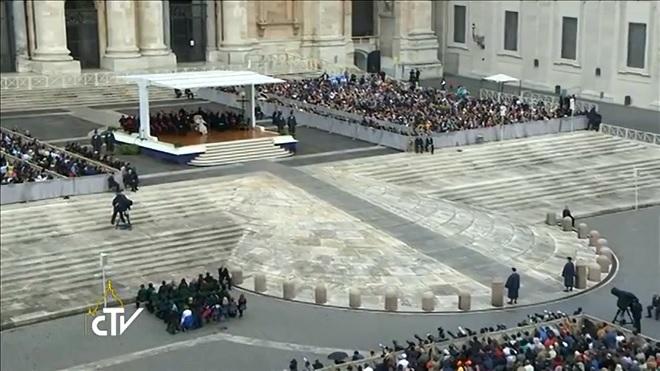 201404123-vaticano-udienza-mer-660x371