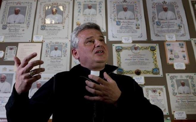 Konrad Krajewski, elemosiniere del Papa (foto da magyarkurir.hu)