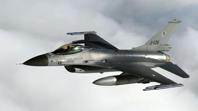 Un General Dynamics Lockheed Martin F16 del 322° Squadron della RNLAF (foto Wikipedia)