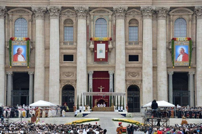 VATICAN-RELIGION-POPE-CANONISATION
