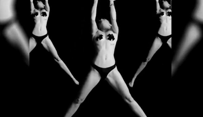 Miley Cyrus protagonista di 'Tongue Tied'