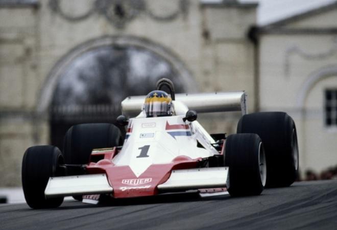 Il pilota fiorentino di Pontassieve, Renzo Mattei, alla guida della sua PD-R (Potenza Desta Racing) progettata dall'ingegner Delrio
