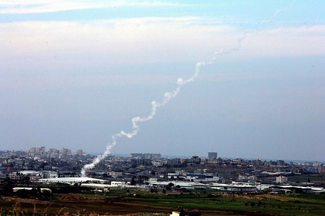 20140712-missiles-launched-from-gaza-655x436