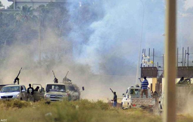 20140722-libia-spari-convoglio-esercito-655x415