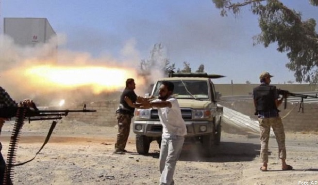 20140803-libya-clashes-655