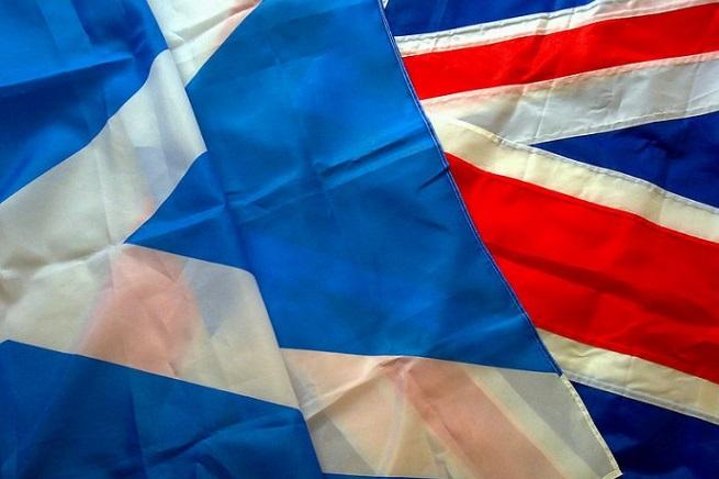20140918-scottish-british-flag-655x436