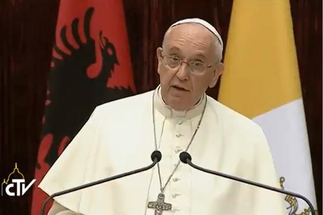 20140921-papa-francesco-albania