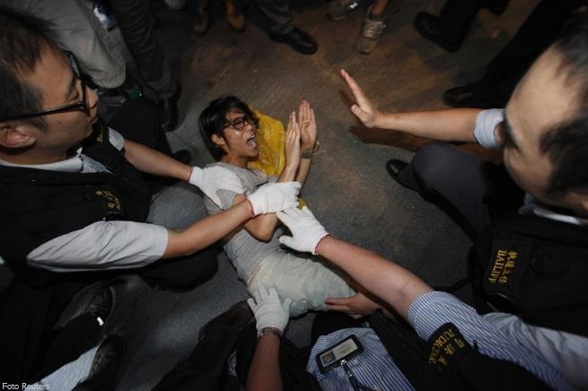 20140928-honk-kong-cina-arresti-occupy-central-2-655x436