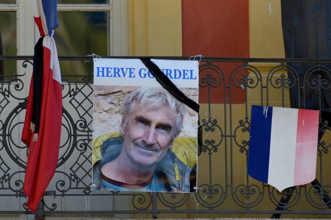 20141001-herve-gourdel-mourning-655x436