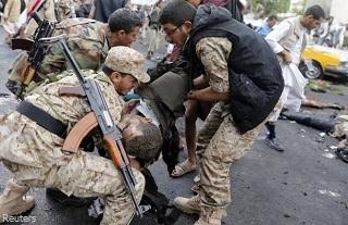 20141010-yemen-suicide-attack-sanaa-320x207