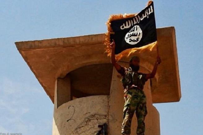 20141011-jihadist-near-baghdad-airport-655x436