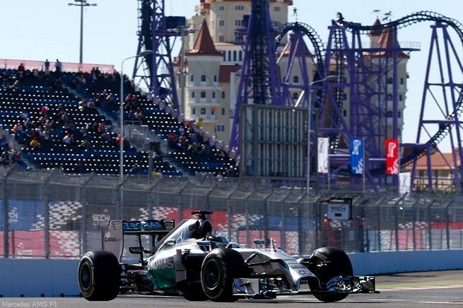 20141012-f1-ev16-race-hamilton-2-655x436