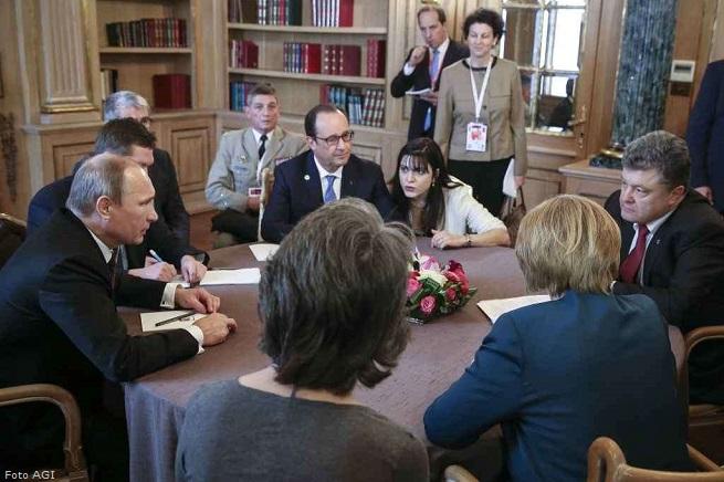 20141017-putin-hollande-poroshenko-merkel-milano-summit-655x436