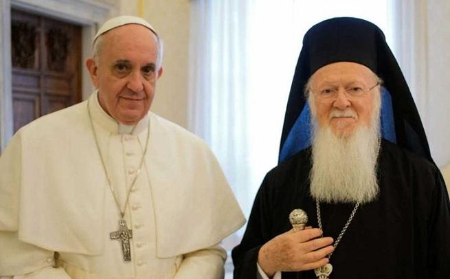 Il vescovo di Roma, Papa Francesco, e il Patriarca di Costantinopoli,  Bartolomeo I, si incontreranno a fine novembre in Turchia, durante il viaggio annunciato oggi (foto di repertorio)
