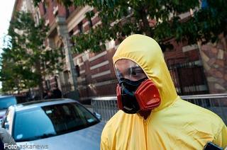 20141027-dpi-ebola-320x212