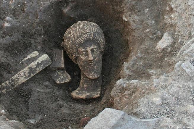 20141121-voltumna-etruschi-adn-655x436