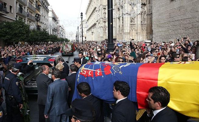 20141122-dona-cayetana-funeral