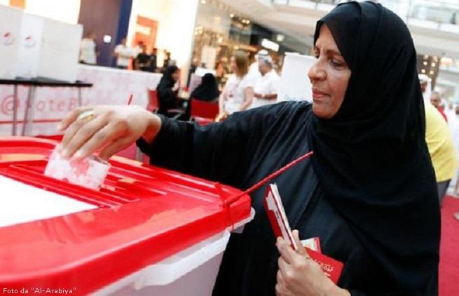 20141123-bahrain-poll-station