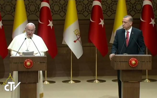 20141128-papa-francesco-turchia