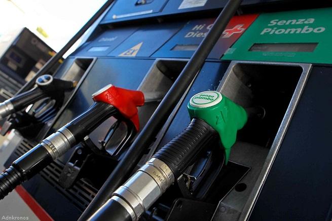 20141202-aumento-carburanti-2015-655x436